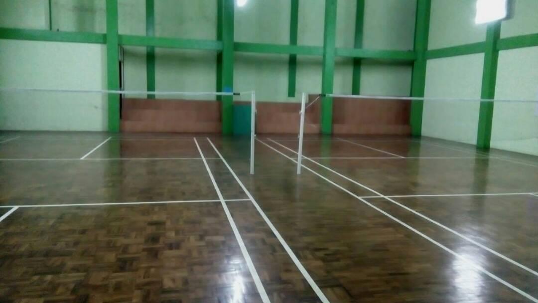 Villa Puncak dengan lapangan bulu tangkis indoor